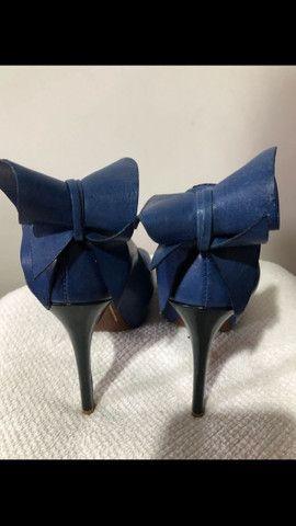 Sapato azul Schutz tamanho 34 - Foto 3