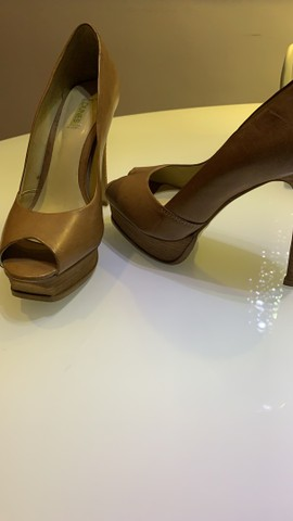 Lote um lote sapatos - lindíssimos N37 - Foto 2