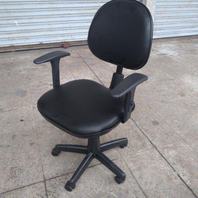 Cadeira Luxo Executiva - Leia o Anúncio