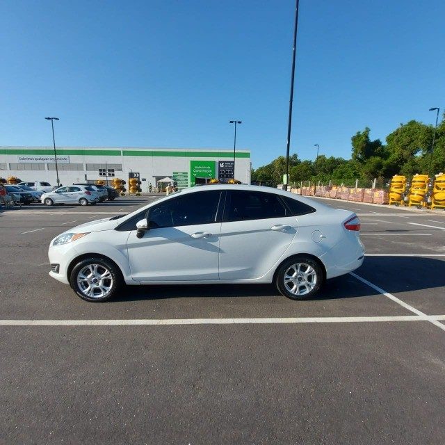 New Fiesta 1.6 SE Aut - Completo - Bco Couro 2014/2014 - Foto 2
