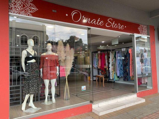 Vendo loja com estrutura completa - Foto 8