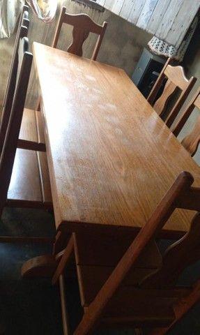 Mesa de madeira com 6cadeiras - Foto 3