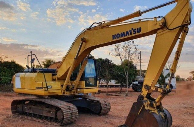 Escavadeira Komatsu PC200-8 ANO 2013