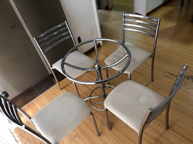 Conjunto mesa de vidro com 4 Cadeiras