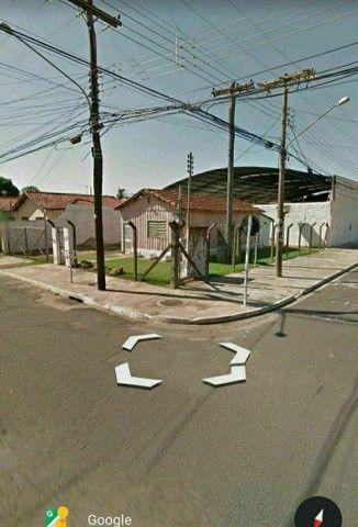 """""""IMPERDÍVEL"""" 300 m² (próximo ao aeroporto) terreno com casa de madeira<br><br>"""