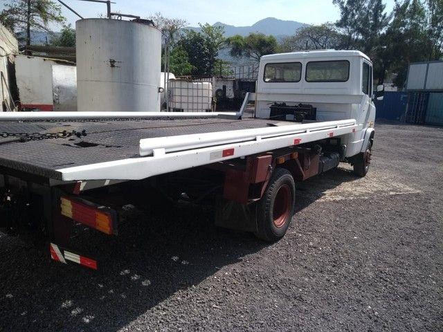 Caminhão 914 guincho