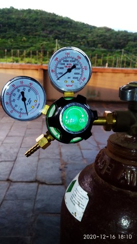 Máquina  de solda tiver (inox) 200 amperes com garrafa de argonio  e regulador de pressão  - Foto 4