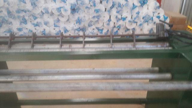 Rebobinadeira para corte de TNT, laminados plasticos e outros