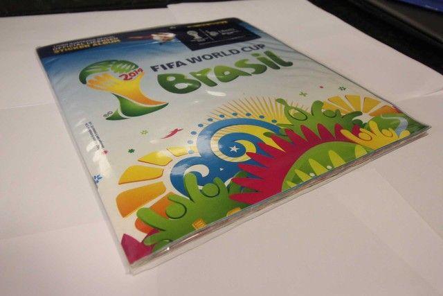Álbum completo copa 2014 / Panini / em Papel Azul 28 cm x 24 cm x 2 cm - Foto 3