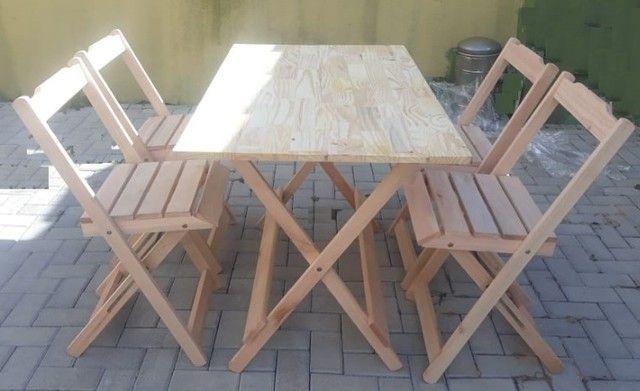 Conjuntos de mesa e 2 ou 4 cadeiras dobráveis com pintura ou sem pintura - Foto 2
