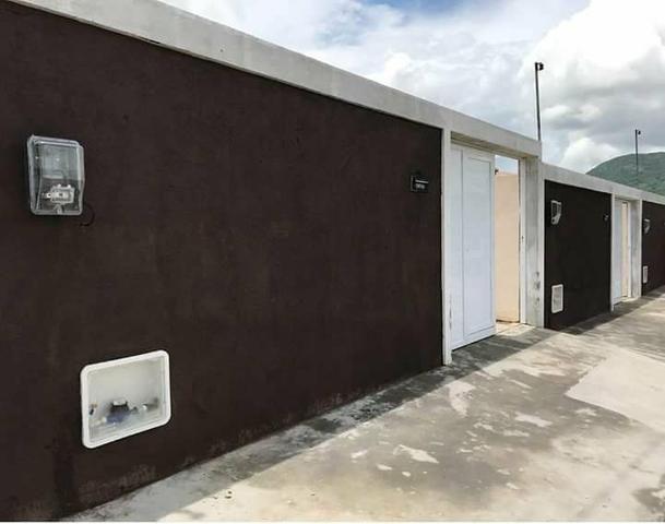 Casa plana em Maracanaú R$ 140.000.00 ja com documentação inclusa ( 2 quartos)