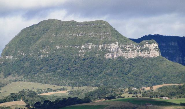 Pense num lugar bonito, sitio 5 hectares a 1000 m de altitude - Foto 3