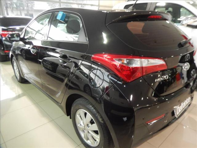 HYUNDAI HB20 1.0 COMFORT PLUS 12V FLEX 4P MANUAL - Foto 8