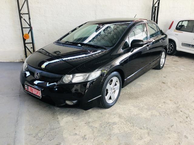 Honda civic 2008 Automático couro GNV G5 Pneus novos Revisado