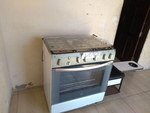 Vendo um fogão 6bocas ótimo estado de conservação  - Foto 2