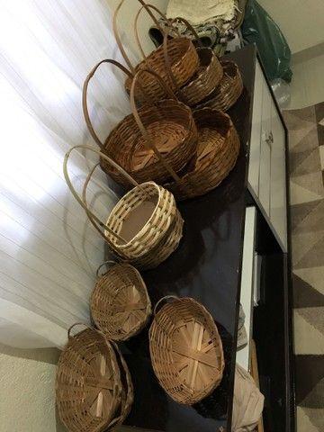 Cestas de bambu e balaoes para revenda - Foto 5