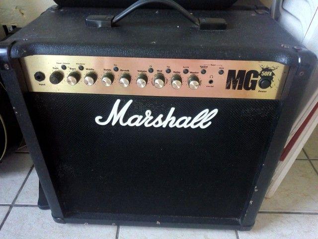 Caixa Amplificada. Marshall / Guitarra