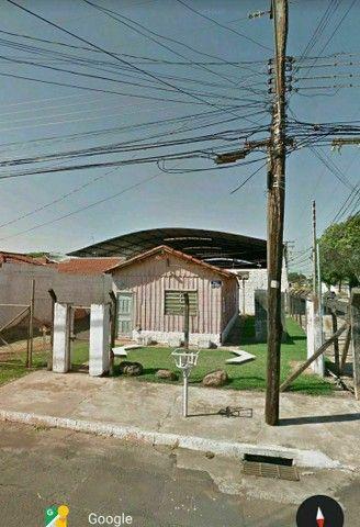"""""""IMPERDÍVEL"""" 300 m² (próximo ao aeroporto) terreno com casa de madeira<br><br> - Foto 6"""