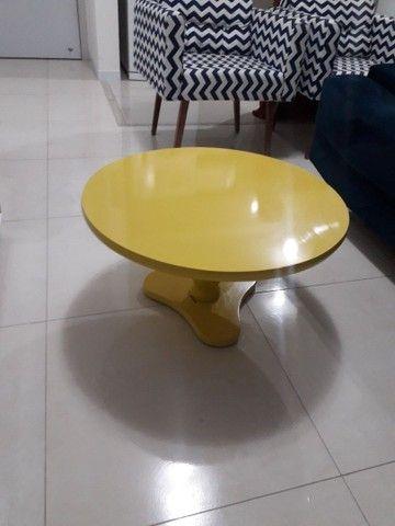 Mesa de centro amarela