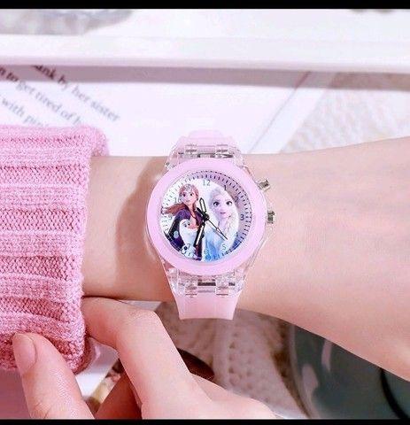Relógio Analógico Princesas: Frozen, Sofia - Foto 3