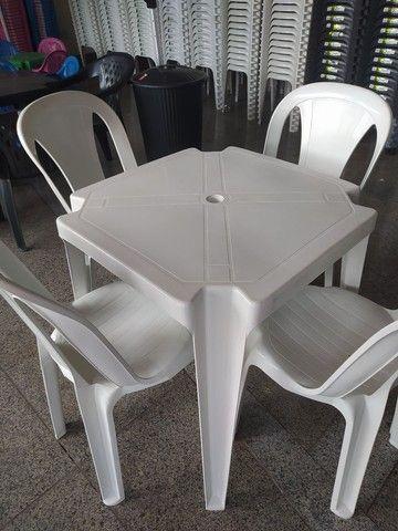 Kit Balcão Refrigerado, balcão Seco + Gôndolas de Parede + Mesa e cadeiras - Foto 2