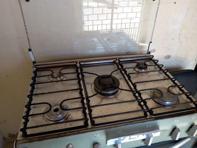 Vendo um fogão 6bocas ótimo estado de conservação  - Foto 3