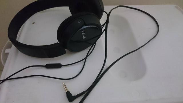Headphone Sony com microfone