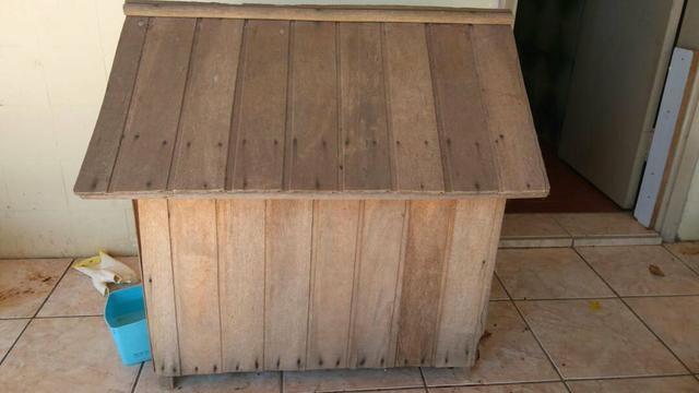 Casa para cachorro em madeira