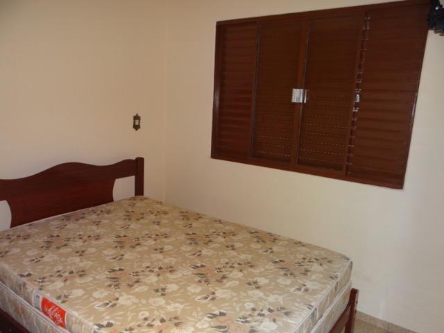 Lindo sobrado, 04 dormitórios, 03 banheiros, terreno todo murado - Foto 8