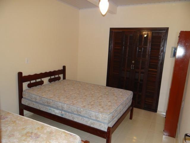 Lindo sobrado, 04 dormitórios, 03 banheiros, terreno todo murado - Foto 3