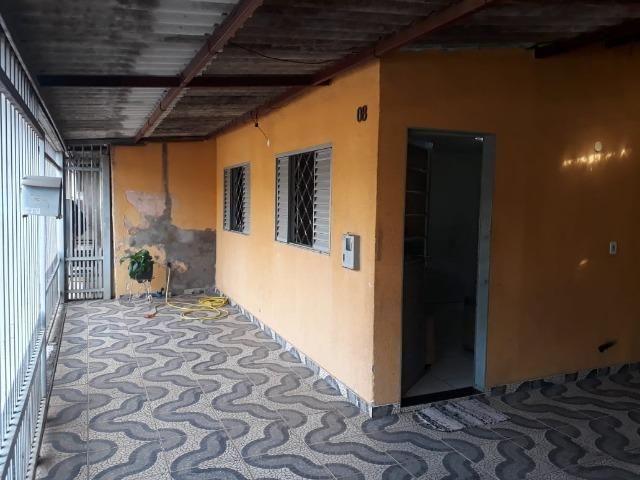 Vd casa 2 quartos, com casa de fundos de 1 quarto, R$ 210 mil aceito financiamento - Foto 3