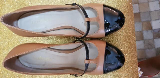 Sapato bicolor preto e café com leite 36 salto 8