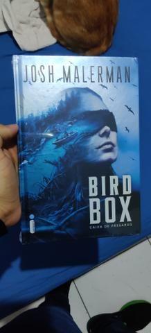 Livro BIRD BOX - Caixa de pássaros - Edição de Luxo