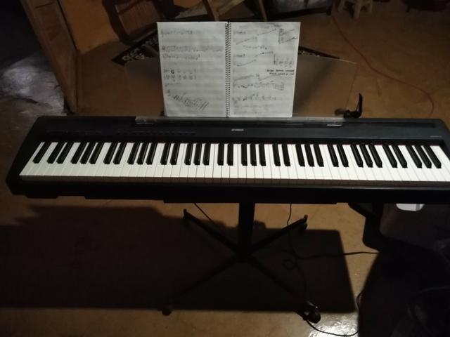Piano elétrico Yamaha p85