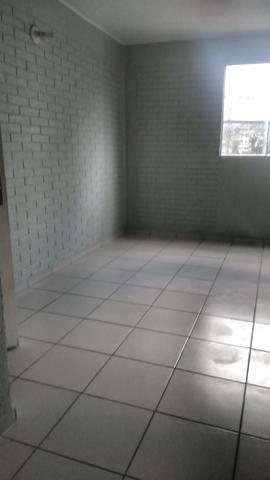 Porto esmeralda 2/4 térreo com armário na cozinha