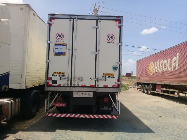 Caminhão Baú Câmara fria - Foto 4