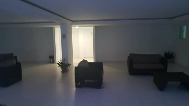 Alugo apartamento de 2 quartos na estrada do coco em frente ao Shopping Busca Vida - Foto 20