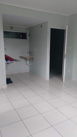 Porto esmeralda 2/4 térreo com armário na cozinha - Foto 9