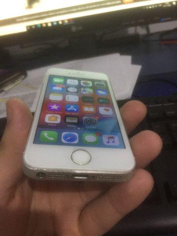 Vendo Iphone 5s 16GB - Tela e bateria nova - Pra vender rapido! - Foto 3