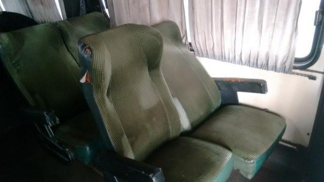 Ônibus Vendo ou Troco Por Carro R$ 25.000,00 - Foto 6