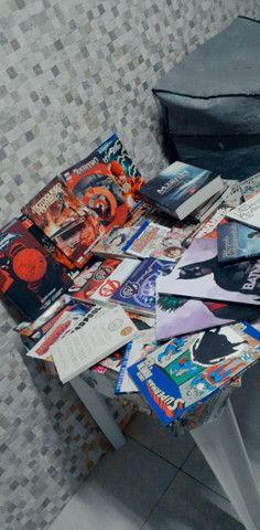 Lote Hqs, mangas e livros - Foto 4