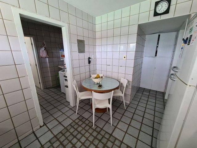 Vendo/Troco apartamento 4 quartos, 1 suíte + dependência com 132m2 em Boa Viagem  - Foto 18