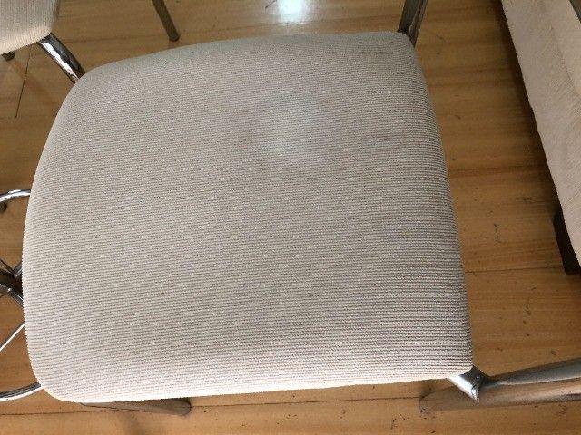 Conjunto mesa de vidro com 4 Cadeiras - Foto 3