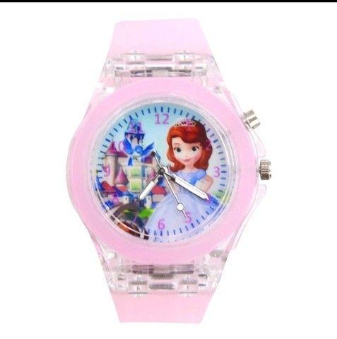 Relógio Analógico Princesas: Frozen, Sofia - Foto 6