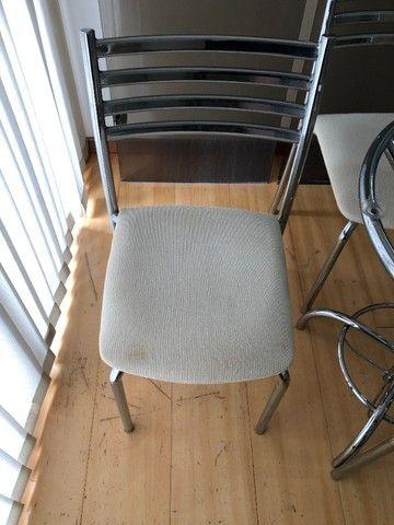Conjunto mesa de vidro com 4 Cadeiras - Foto 2