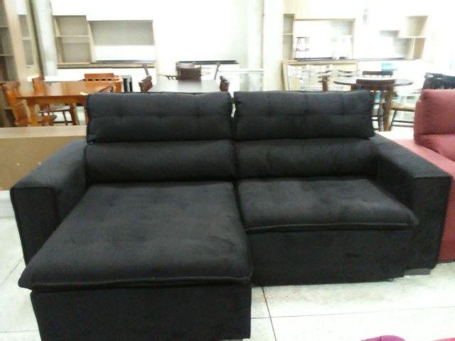 Sofá retrátil reclinável cor preto 2,25m - Foto 2