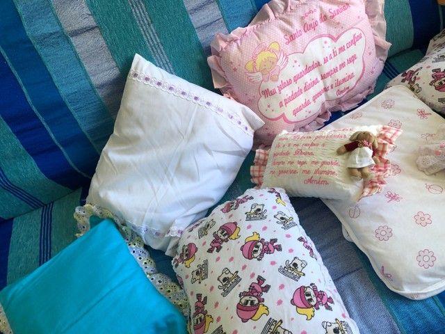 Almofadas  e travesseiros infantil com fronha    - Foto 5