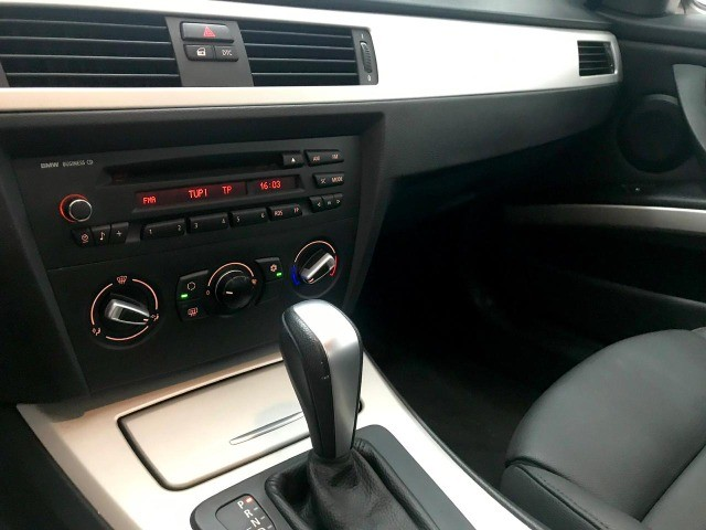 BMW 320i Muito nova - Foto 3
