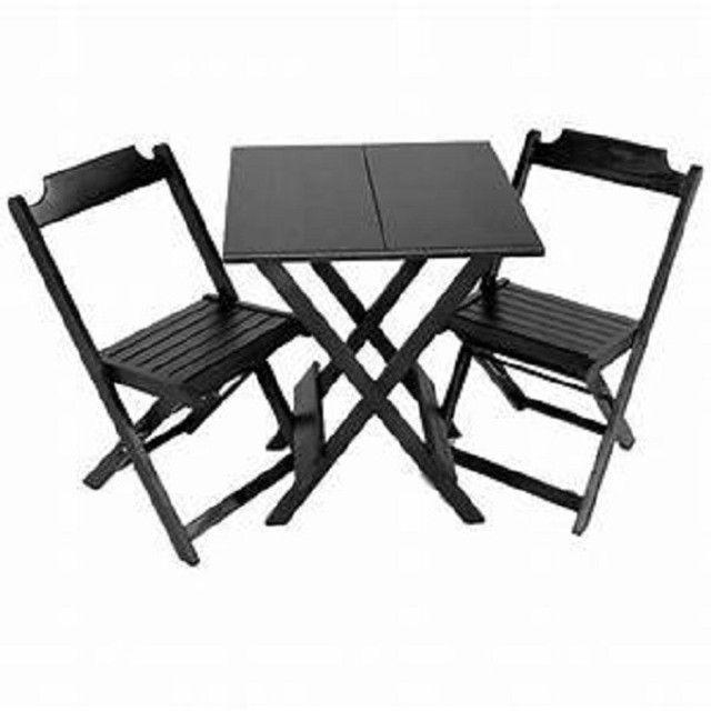 Jogo de mesa com 2 ou com 4 cadeiras dobráveis - direto da fábrica - Foto 2