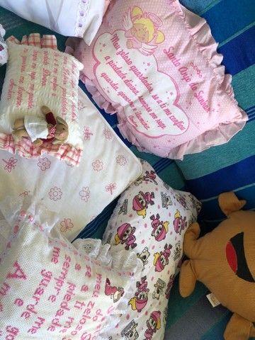 Almofadas  e travesseiros infantil com fronha    - Foto 6
